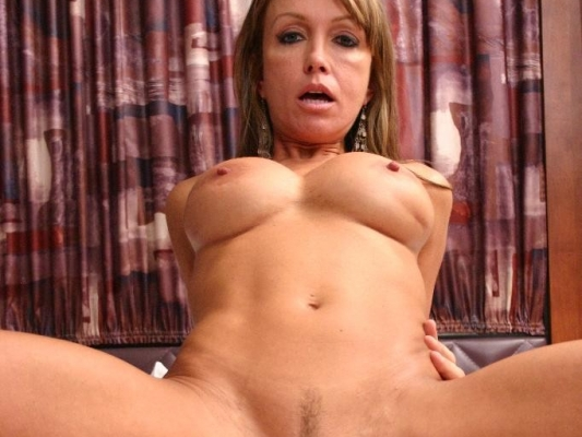Milfs hook up